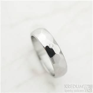 Dámský ocelový snubní prsten Skalák lesklý, diamant 1.7 mm