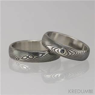 Dámský snubní prsten damasteel PRIMA s černým zirkonem
