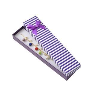 Dárková krabička na náramek, fialové pruhy