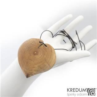 Dřevěný přívěšek - Jabloňové srdce