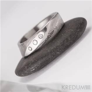 Kovaný Damasteel prsten Lusk s diamanty