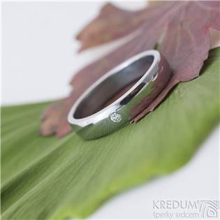 Kovaný ocelový prsteny Klasik lesklý, diamant 2 mm
