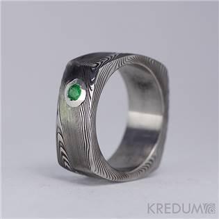 Kovaný prsten damasteel smaragd