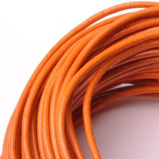 Kožená šňůrka kulatá oranžová, tl. 2 mm