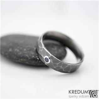 KS1040 Dámský kovaný prsten Draill se safírem