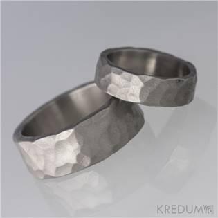 KS1100 Dámský snubní prsten titan