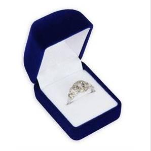 Modrá semišová dárková krabička na prsten