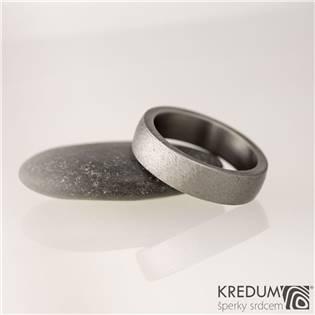 Pánský kovaný titanový prsten Prima broušený