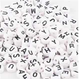 Plastový korálek - písmeno