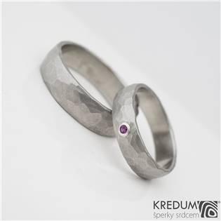 Ručně kované ocelové prsteny Klasik Draill Rubín - pár