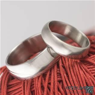 Ručně kované ocelové prsteny Klasik lesklé - pár