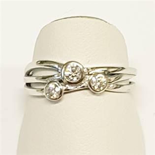 Stříbrný prsten se 3mi zirkony vel. 56