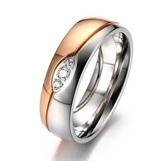 Zlacený ocelový prsten se zirkony, šíře 6 mm, vel. 52